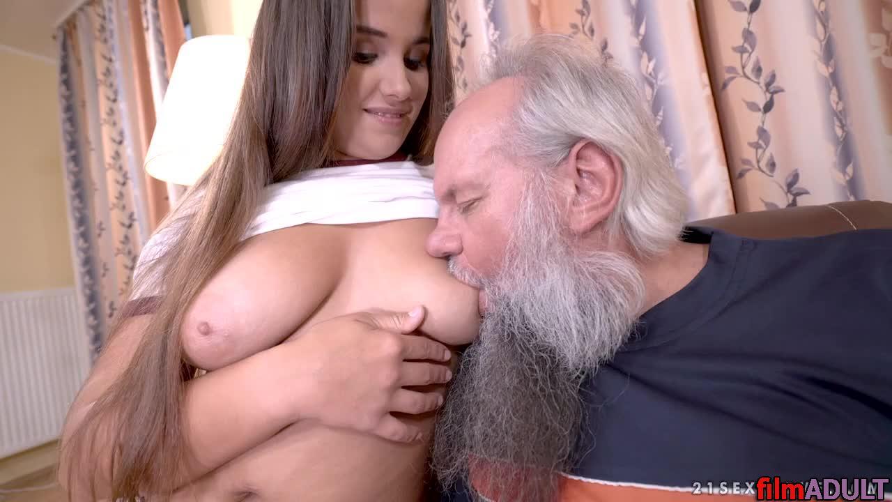 Дед трахнул свою внучку порно видео
