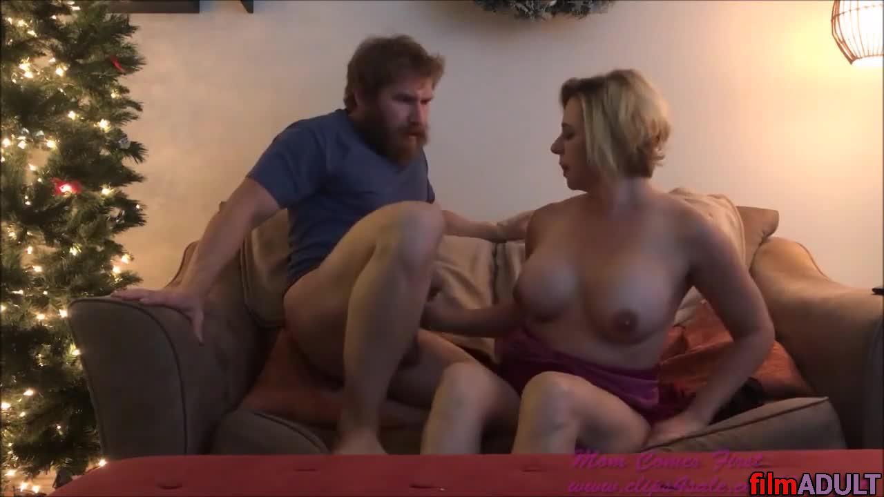 Тетя и девушка порновидео