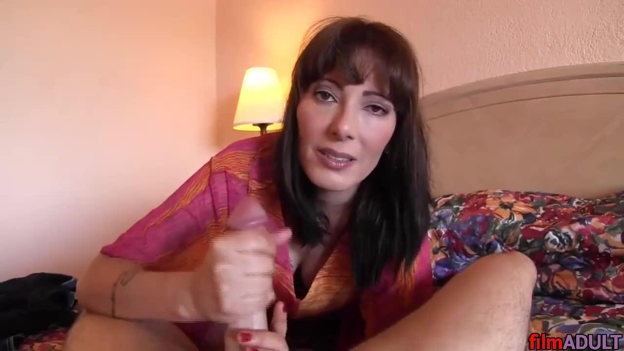Мама захотела заняться сексом со своим сыном и дочерью