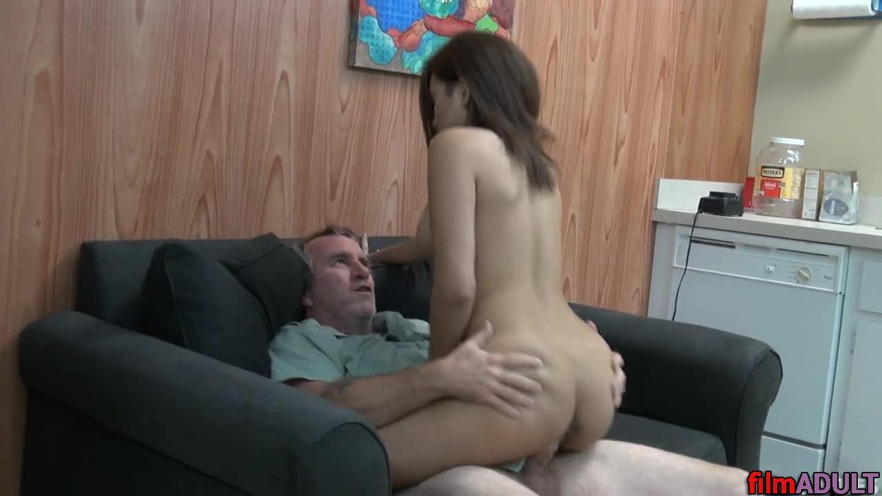 Смотреть онлайн порно вучка с дедом
