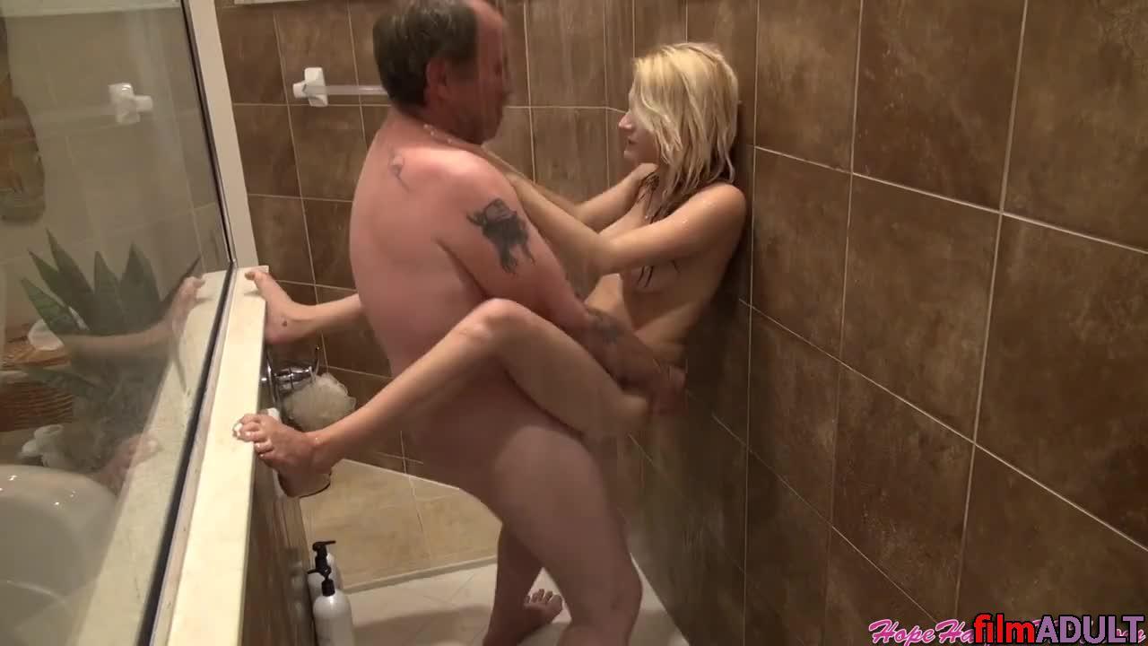 Порно Отец И Дочь В Душе