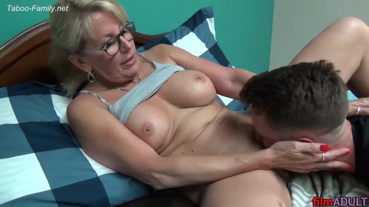 Секс мама с сыном порно онлайн