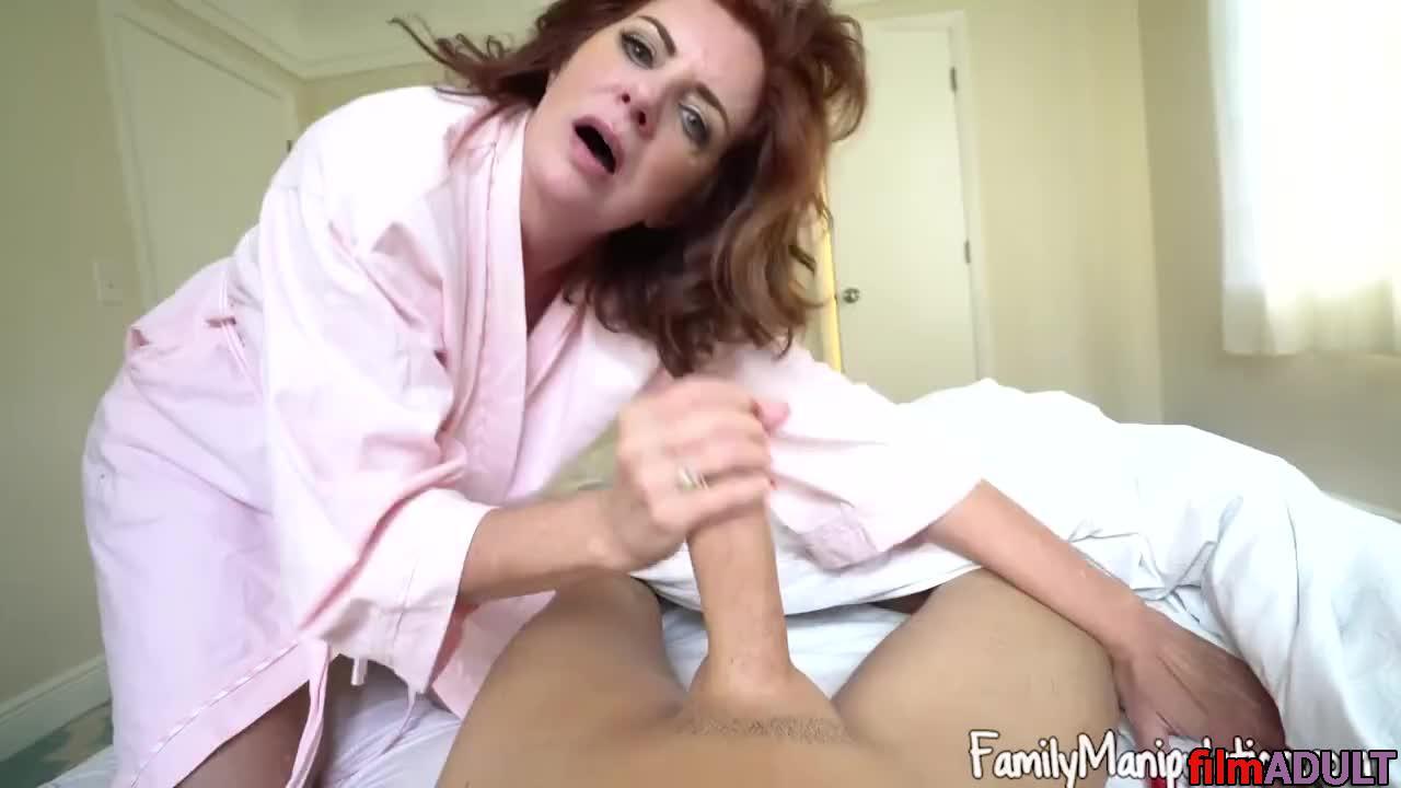 Утренний секс мамы и сына онлайн