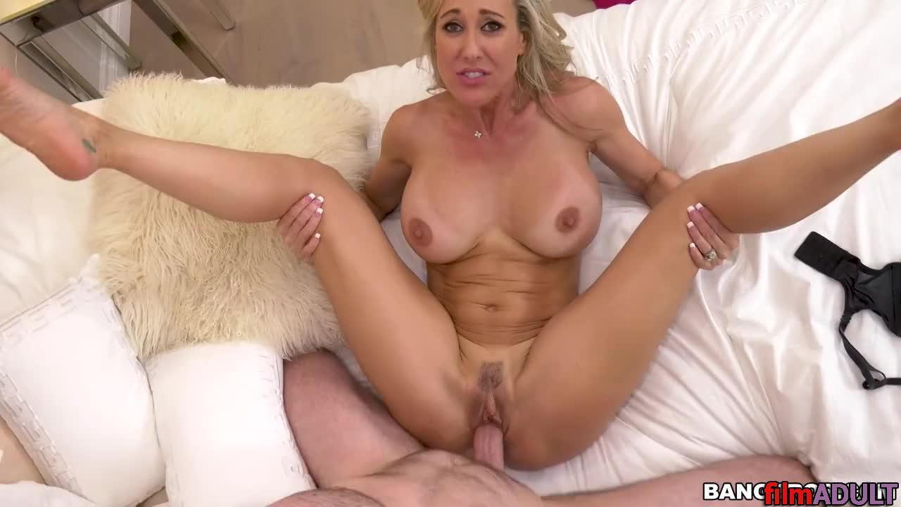 Смотреть русское порно видео парень уговаривает свою тетю на секс