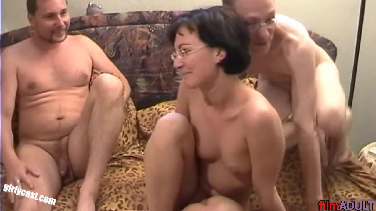 Порно муж с женой пригласили друга трааться домашнее онлайн смотреть бесплатно