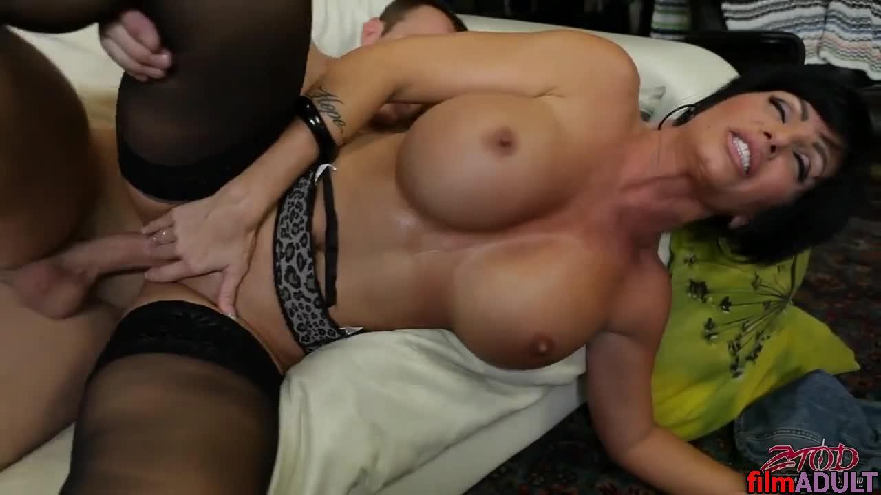 Порно видео мама лучшего друга