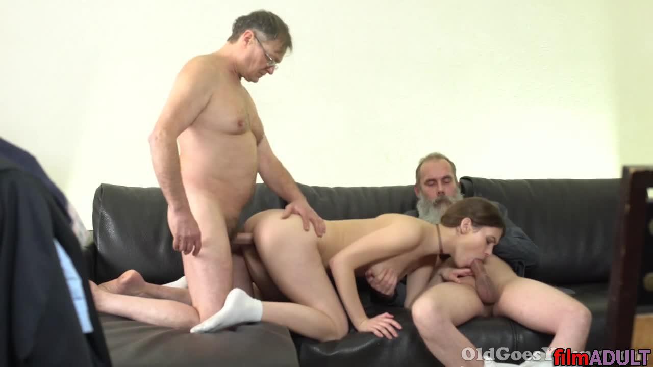 Смотреть бесплатное порно с дедами