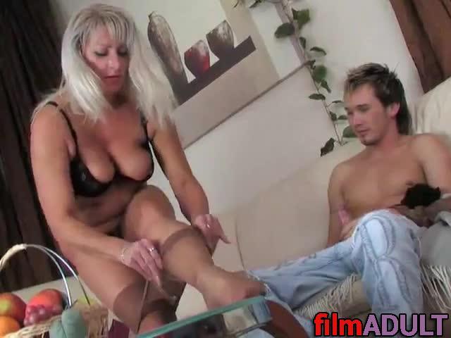 Секс со зрелой женщтной