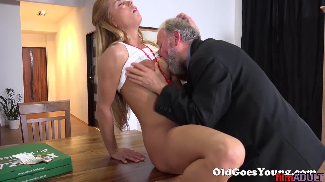 Старый мужик ласкает грудь молодой девушке, русская порно звезда кристина